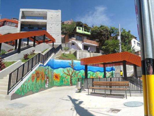 Integration of public spaces and public facilities to Medellin's barrios. (Credits: reproduced with authorization of the Planning Department of the City of Medellin.)